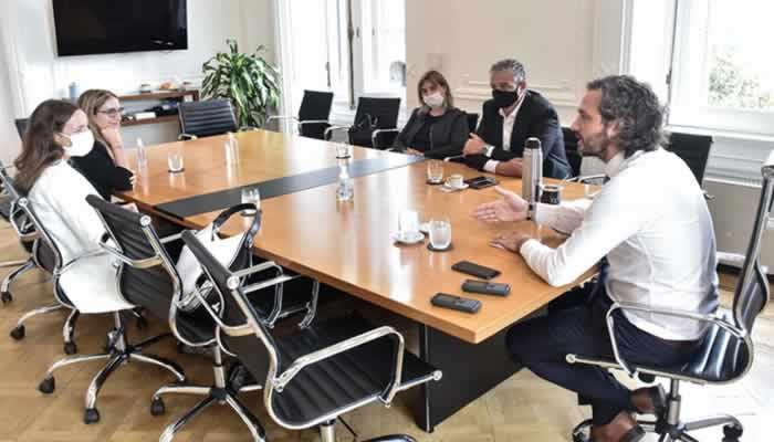 Cafiero y Pietragalla están reunidos ahora con Amnistía internacional en la Rosada