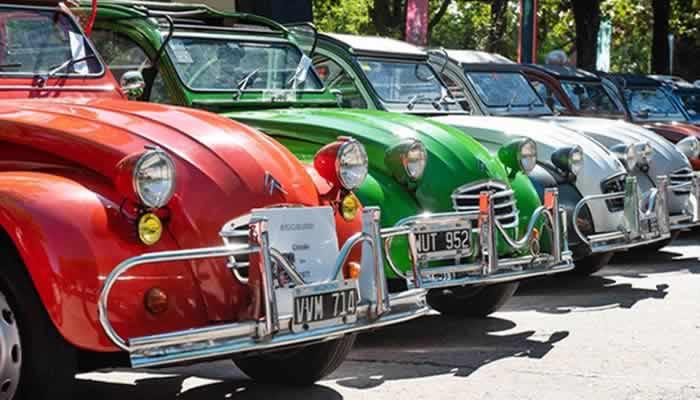 Se exhibieron Citroën clásicos en plaza Mafalda