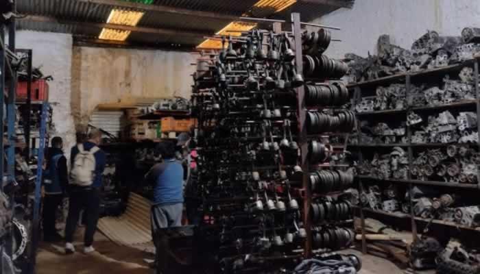 Más de 7.800 autopartes ilegales incautadas en local y depósito de Chacarita