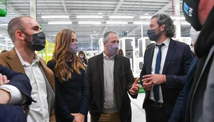 El presidente de la fábrica Visuar aseguró que se implementan «muy buenas políticas de consumo»